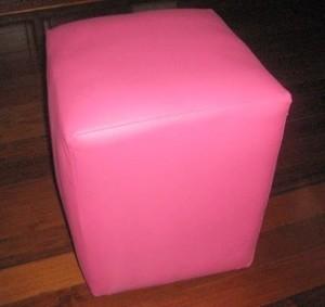 розовый пуф