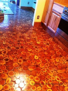 полы из спилов sunny-pettiz-lutz-cordwood-floor-11jpg-with-logo